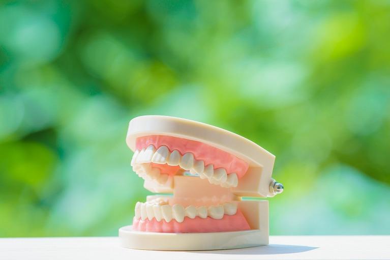 非抜歯矯正なら良い歯列矯正か?
